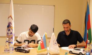 Toral Bayramovla yeni müqavilə imzalandı